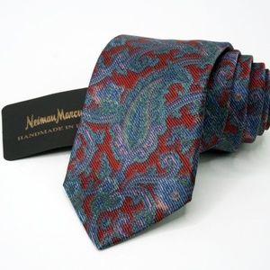 Neiman Marcus Tie All Silk Red/Green